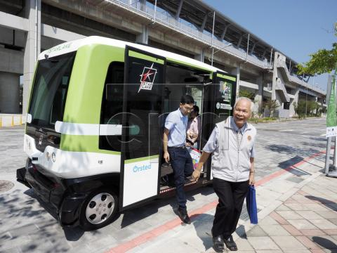 Taiwan conducts more road tests of self-driving bus